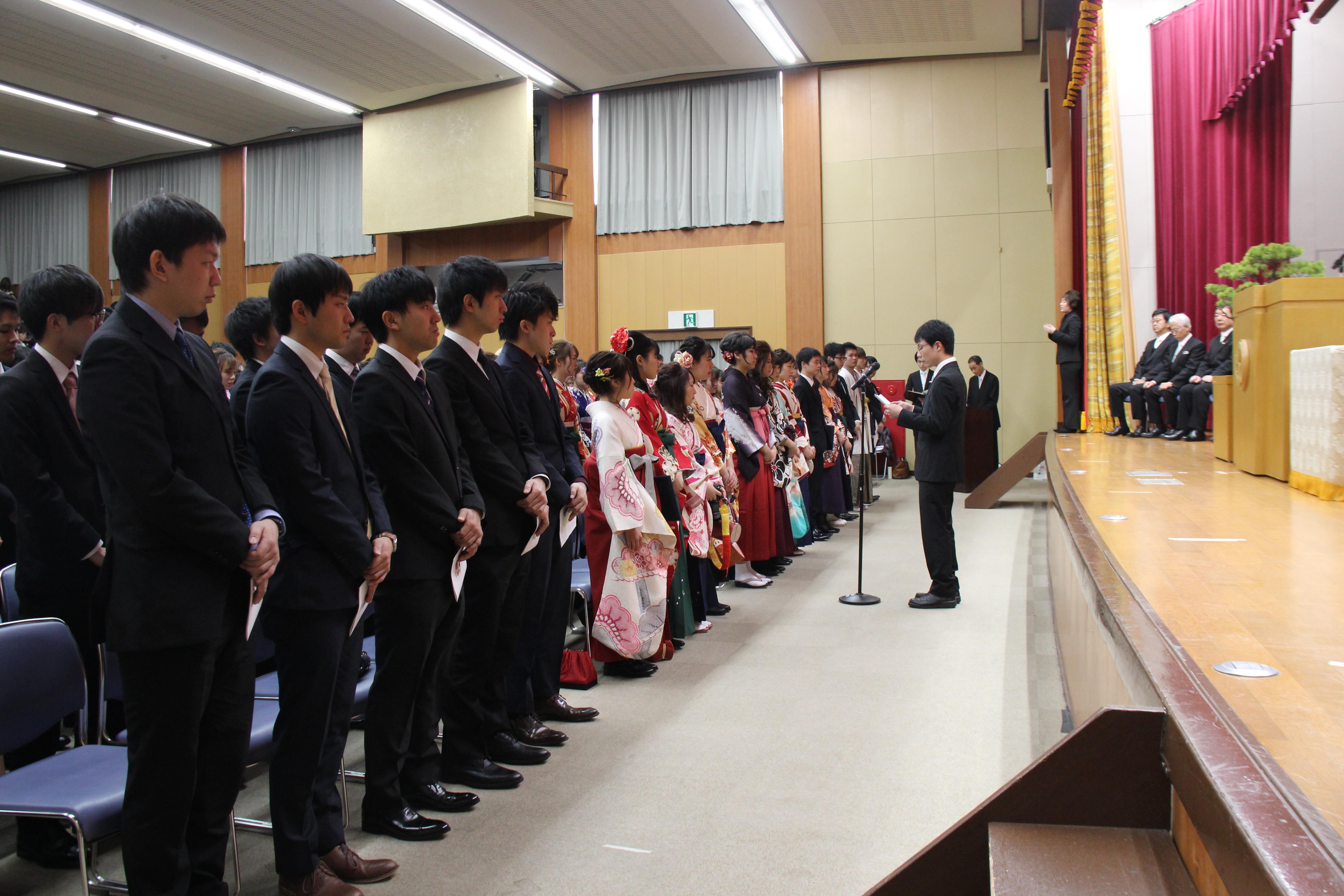 学位記授与式・医学部卒業式07