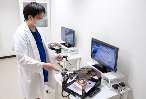spot_4_内視鏡外科手術用トレーニングボックス-エンドワークプロII